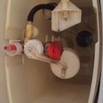 トイレタンク内部品水漏れ