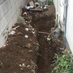 排水管の工事を行う為に掘削