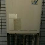 古い給湯器