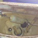 古いタンク内部品