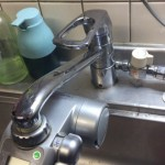 古いキッチン食洗蛇口