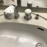 古い洗面蛇口