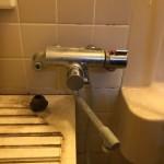 古い浴室蛇口